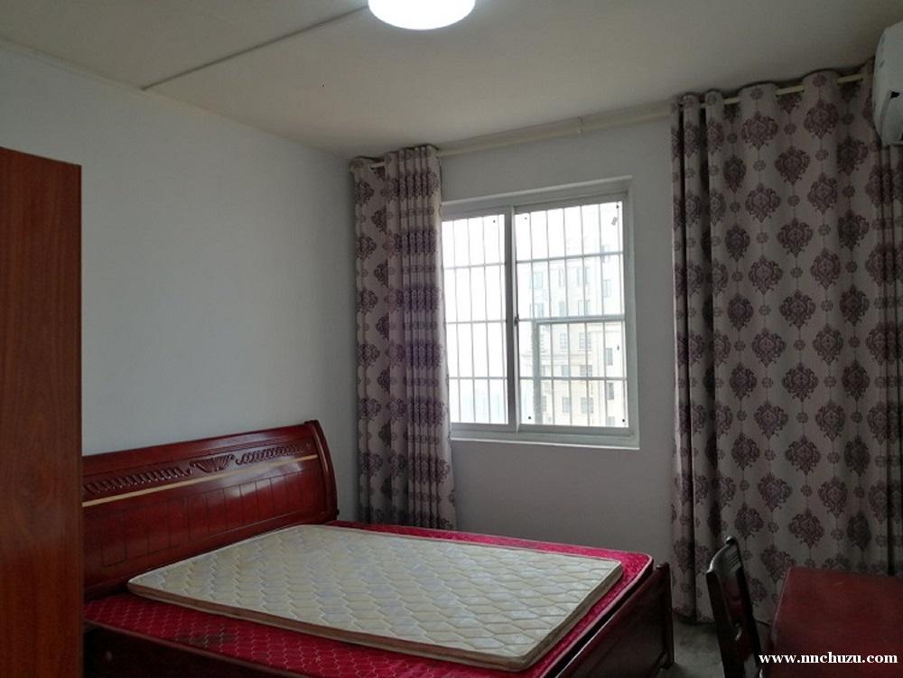新建区长堎新村房屋出租 阳光充足 室内生活用品齐全