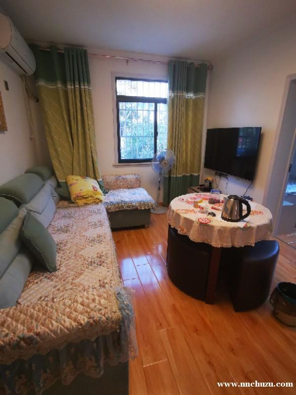 套房出租 两室一厅精装修 家具齐全